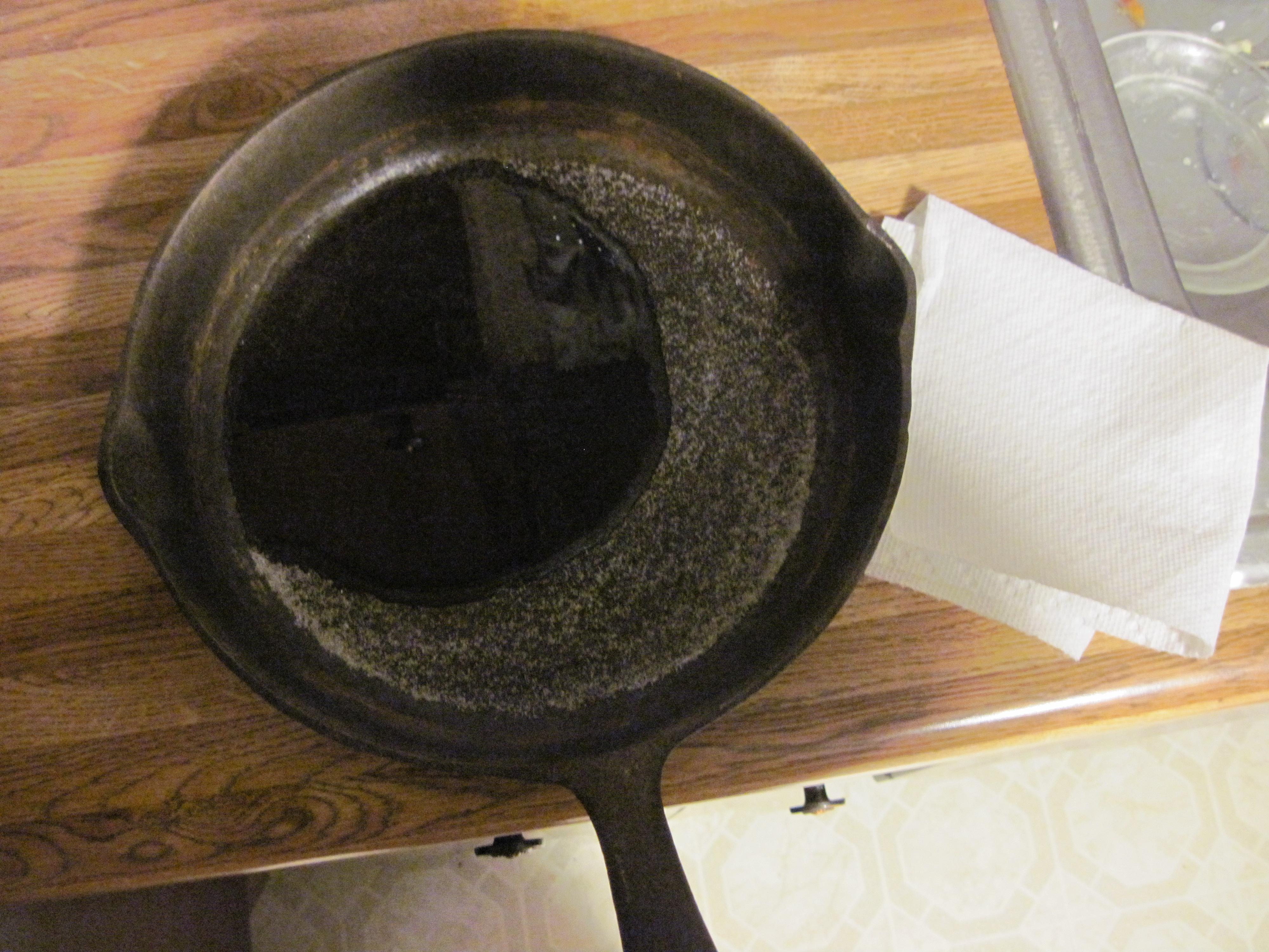 diy restoring a cast iron skillet crazy agnus. Black Bedroom Furniture Sets. Home Design Ideas